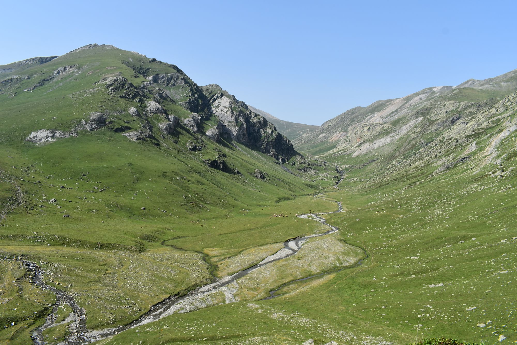 Summer hiking in the Pyrenees (part 1)